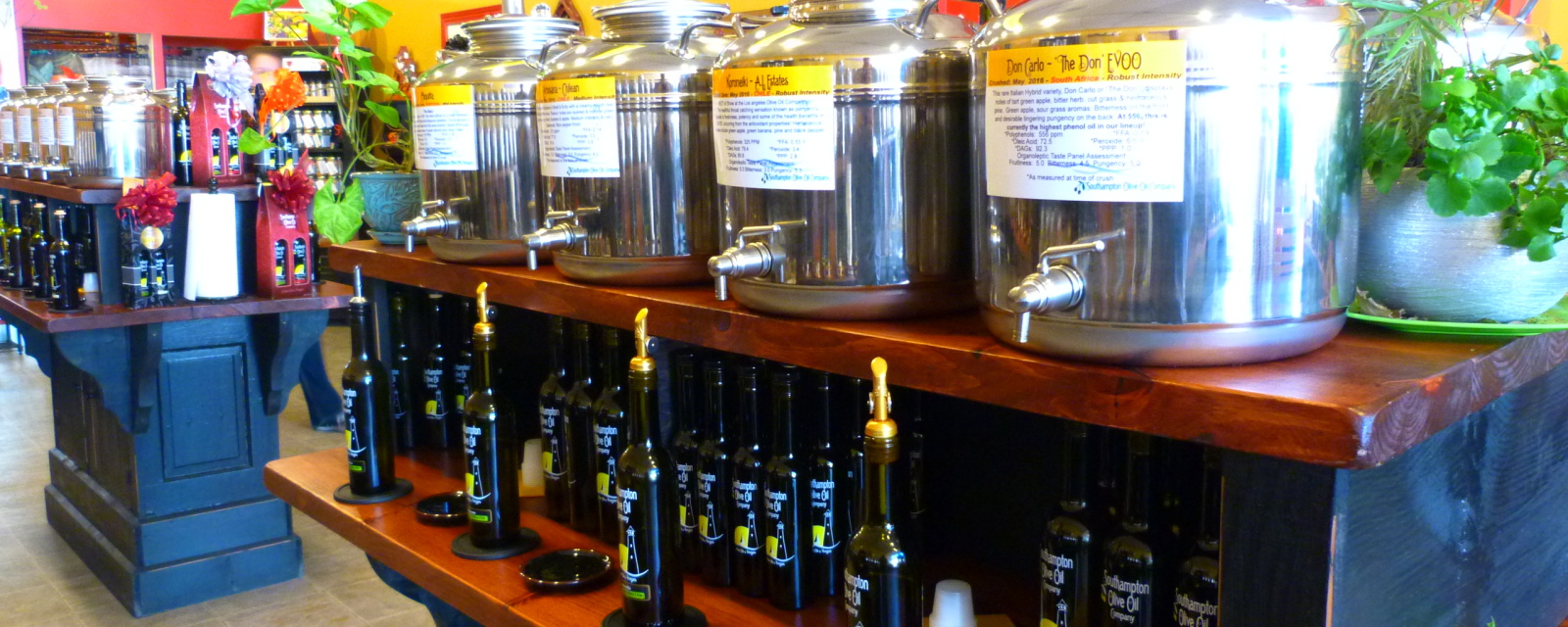 Over 50 Artisan Oils & Vinegars On Site