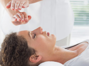 15% off 1h Indian Head Massage or Reiki