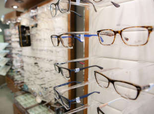 Large selection of frames